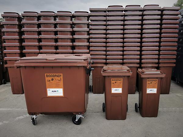 Brązowe pojemniki na bioodpady